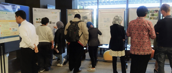 3.PosterSession